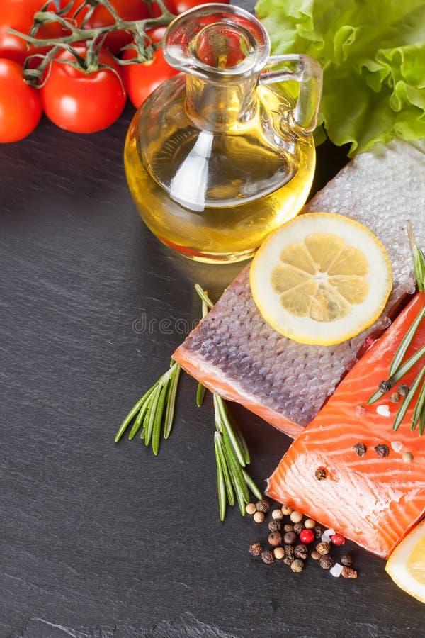 Filete de color salmón sin procesar imagen de archivo