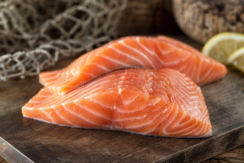 Filets saumonés frais photos stock