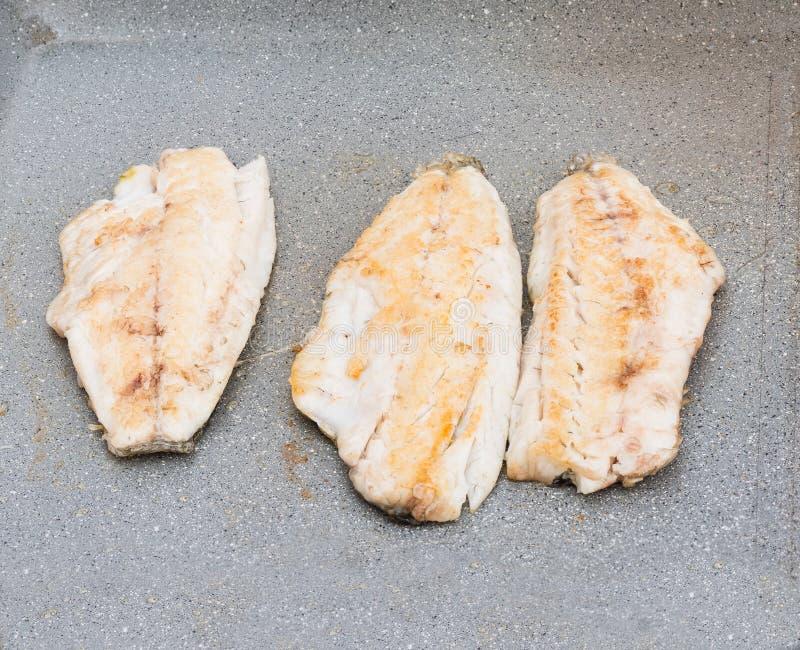 Filetsvissen geroosterd close-up stock afbeeldingen