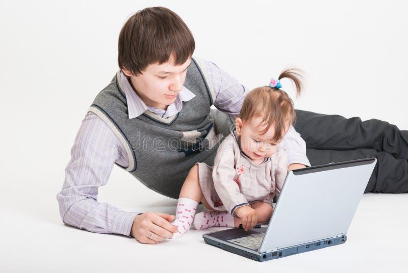 A filha e o pai pequenos imagens de stock