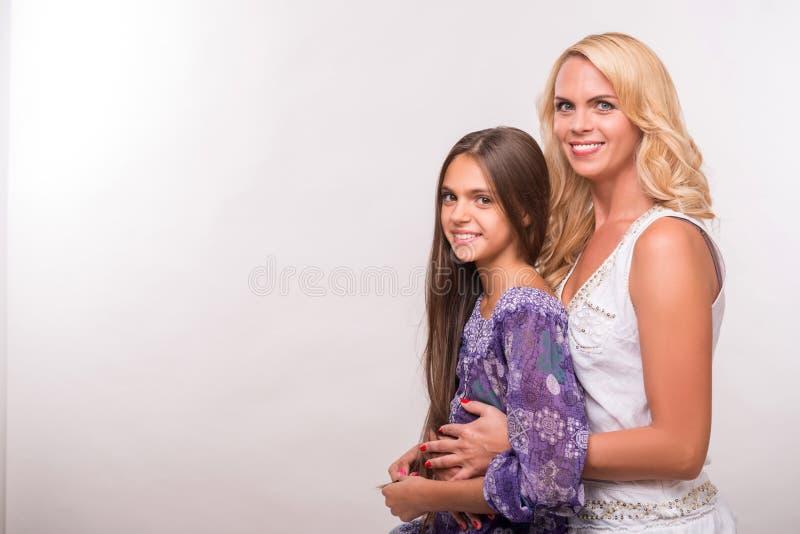 Filha nova da mãe e do adolescente fotos de stock royalty free