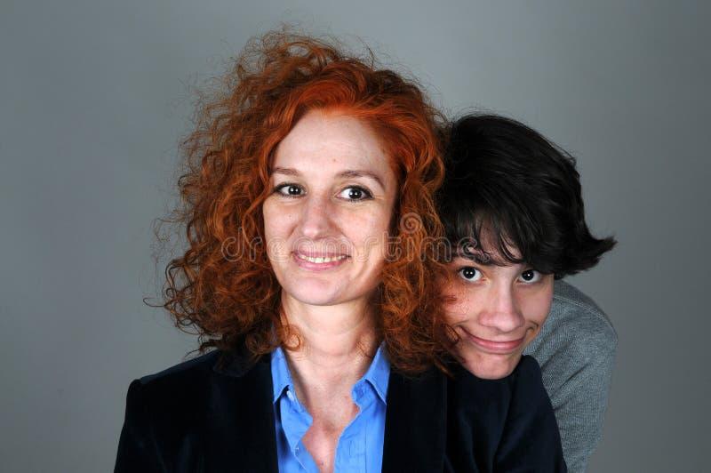 Filho da mãe e do adolescente fotos de stock royalty free