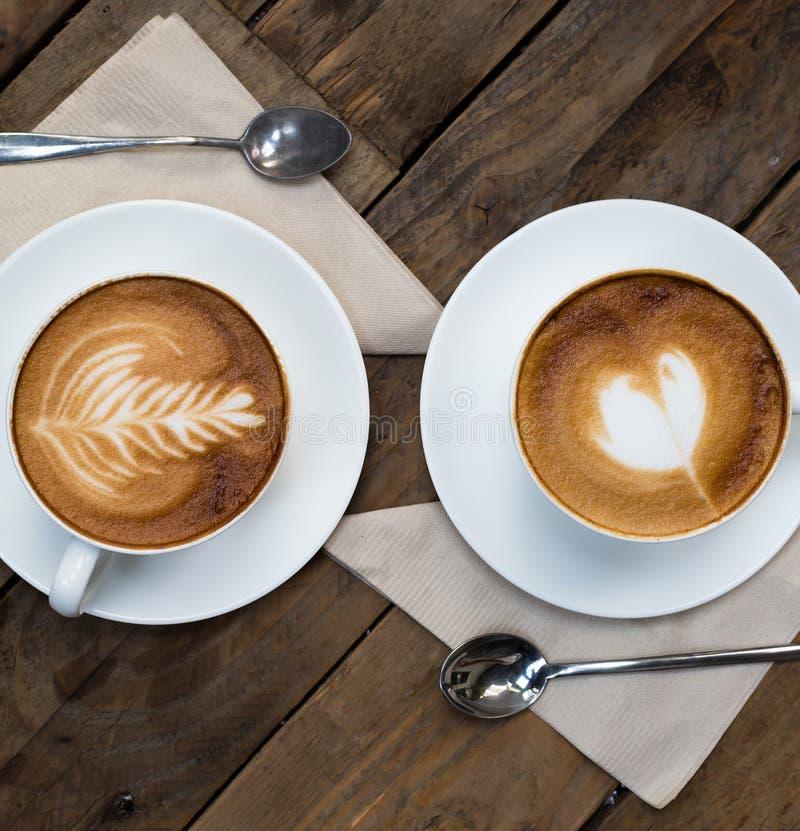Filiżanka gorąca latte sztuki kawa obrazy royalty free