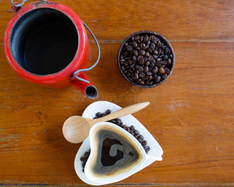 Filiżanka i kawowe fasole zdjęcie royalty free