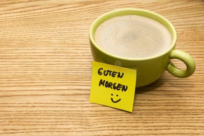 Filiżanka kawy, ja i smiley, notatka dzień dobry obrazy royalty free