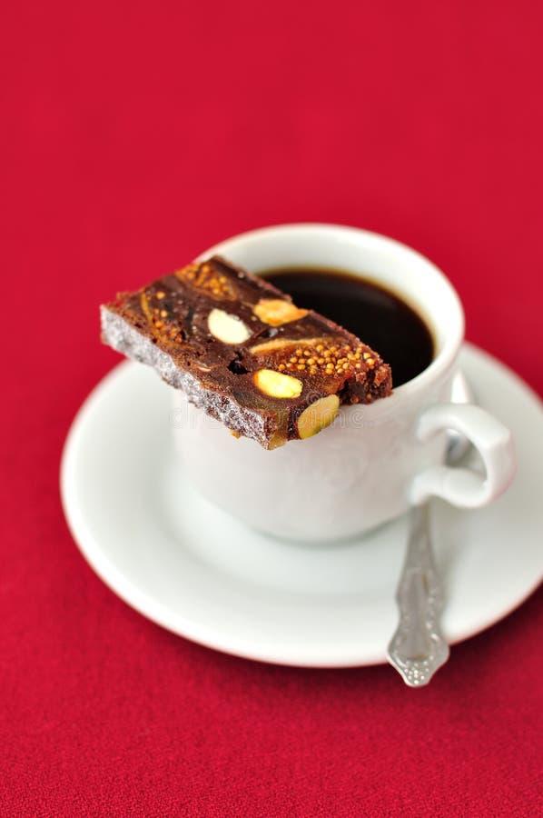 Filiżanka kawy z Panforte obraz royalty free