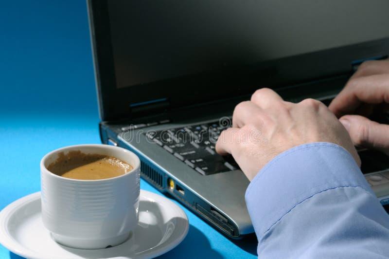 filiżanka laptop obrazy royalty free