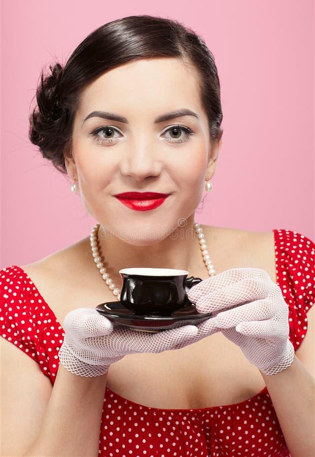 filiżanki dziewczyny herbata obrazy stock
