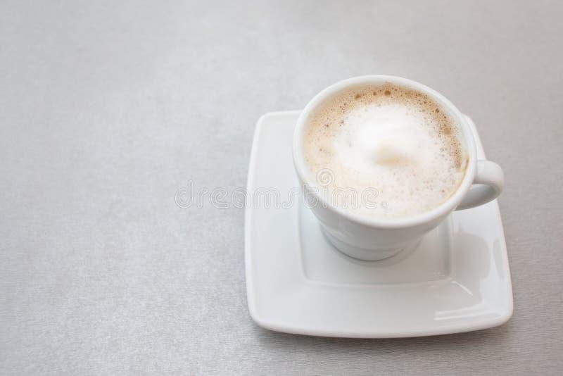 Download Filiżanka cappuccino zdjęcie stock. Obraz złożonej z cappuccino - 28956452
