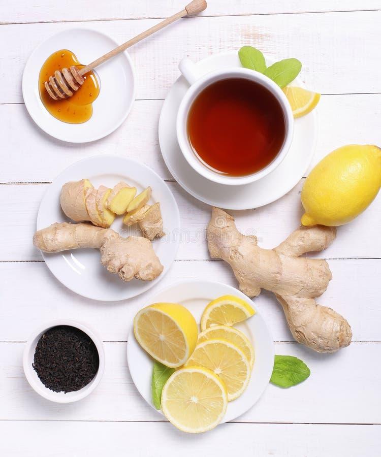 Download Filiżanka herbata zdjęcie stock. Obraz złożonej z przejrzysty - 65225908
