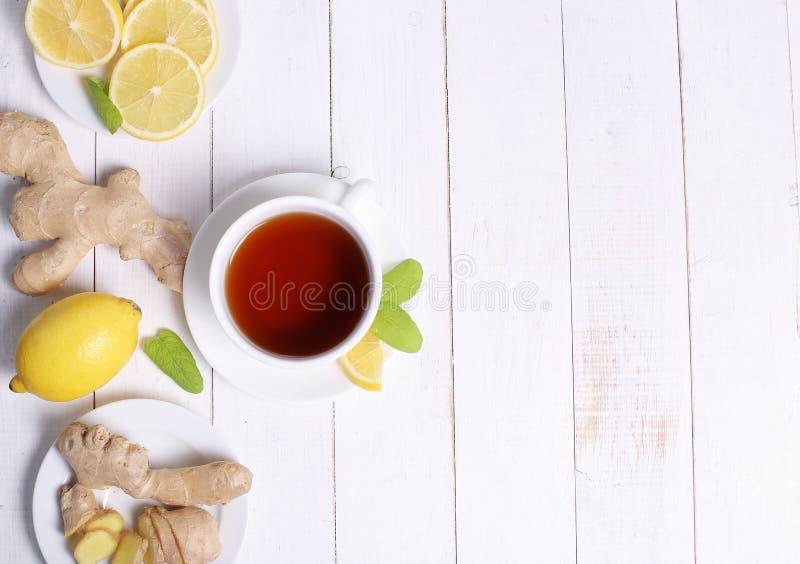 Download Filiżanka herbata obraz stock. Obraz złożonej z gorący - 65225943