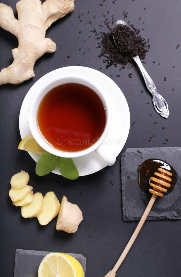 Download Filiżanka herbata obraz stock. Obraz złożonej z ciecz - 65226115