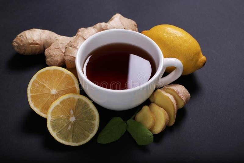 Download Filiżanka herbata zdjęcie stock. Obraz złożonej z świeżość - 65226252