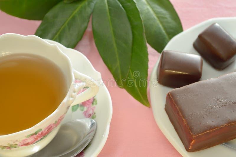 Download Filiżanka Herbata, Czekolady I Ciasto, Obraz Stock - Obraz złożonej z popołudnie, herbata: 106903837