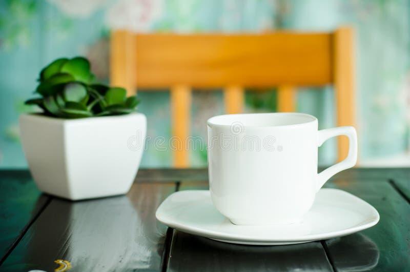 Download Filiżanka kawy obraz stock. Obraz złożonej z filiżanka - 57663453