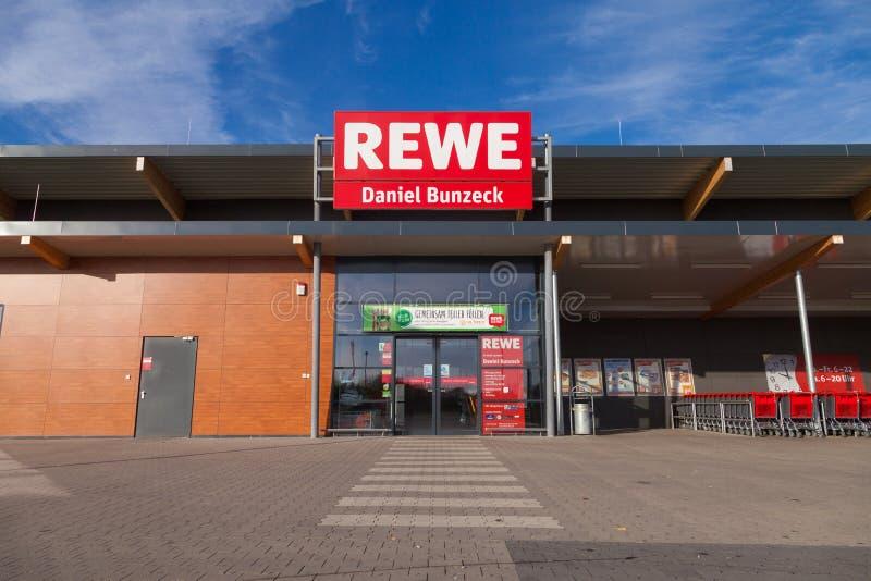 Filia od niemieckiej sieci supermarketów, REWE zdjęcie royalty free