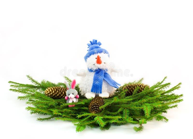 Download Filiais De árvore Do Natal Com Boneco De Neve E Coelho Imagem de Stock - Imagem de único, inverno: 16853265