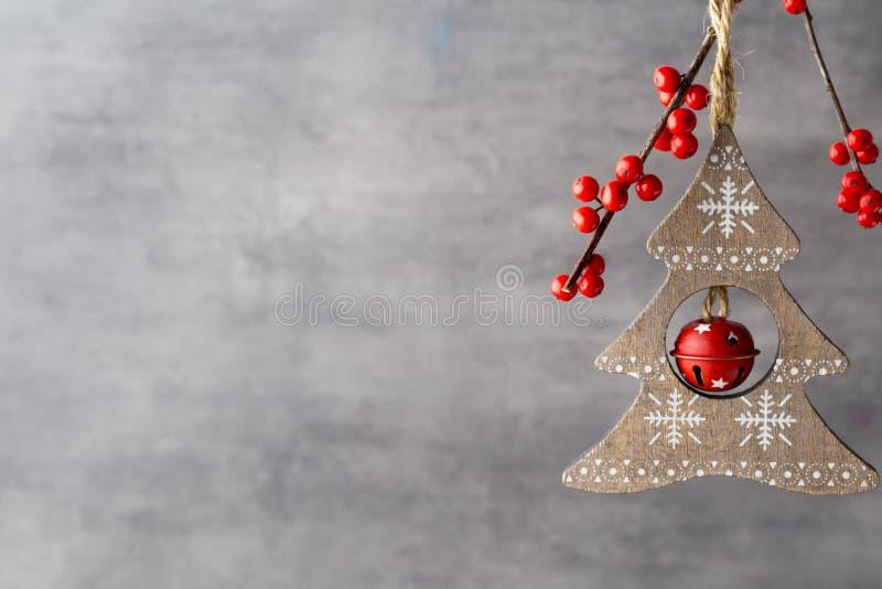 Filial med röda bär, juldekor arkivbild