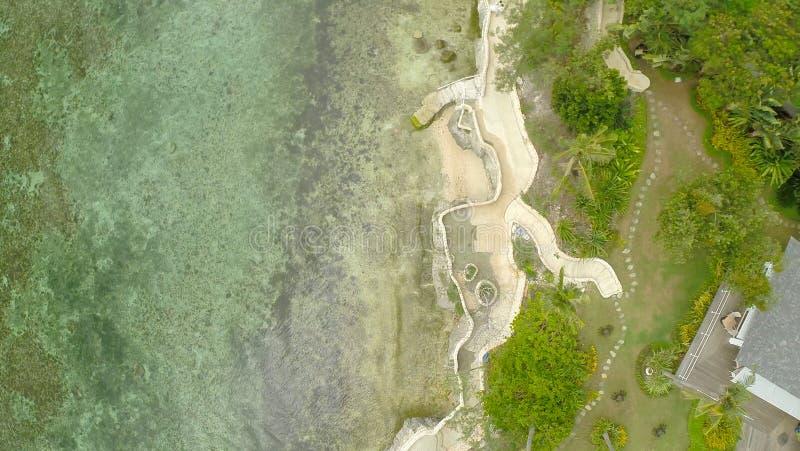 Filipińska wioska przy brzegową Bohol wyspą Anda obrazy royalty free