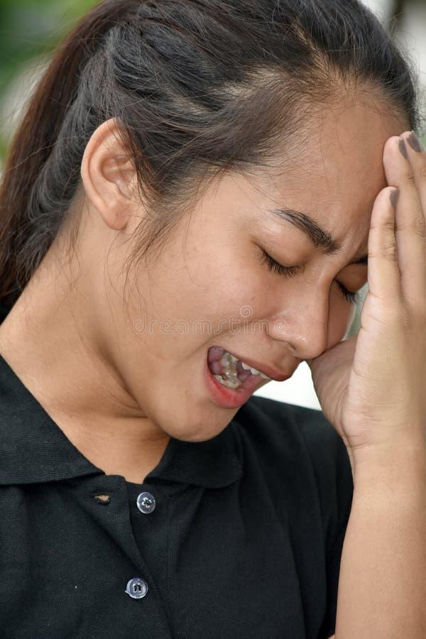 Filipina Teen Girl forçado fotos de stock