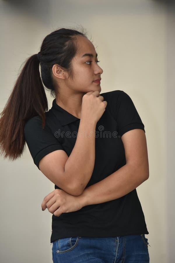 Filipina Teenager Girl pensativo imagens de stock