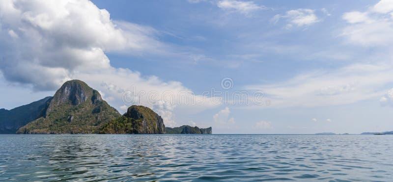 Download Filipinas, isla de Palawan foto de archivo. Imagen de nubes - 41912488