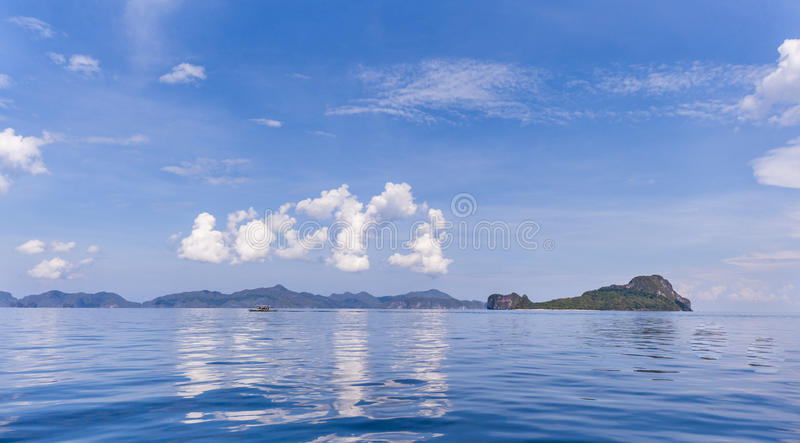 Download Filipinas, isla de Palawan foto de archivo. Imagen de nubes - 41912532