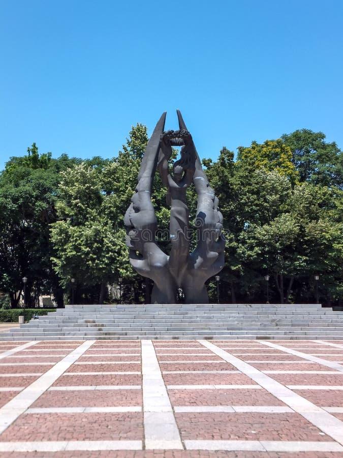 FILIPPOPOLI, BULGARIA - 13 GIUGNO 2012: Monumento dell'unificazione della Bulgaria in città di Filippopoli, fotografia stock