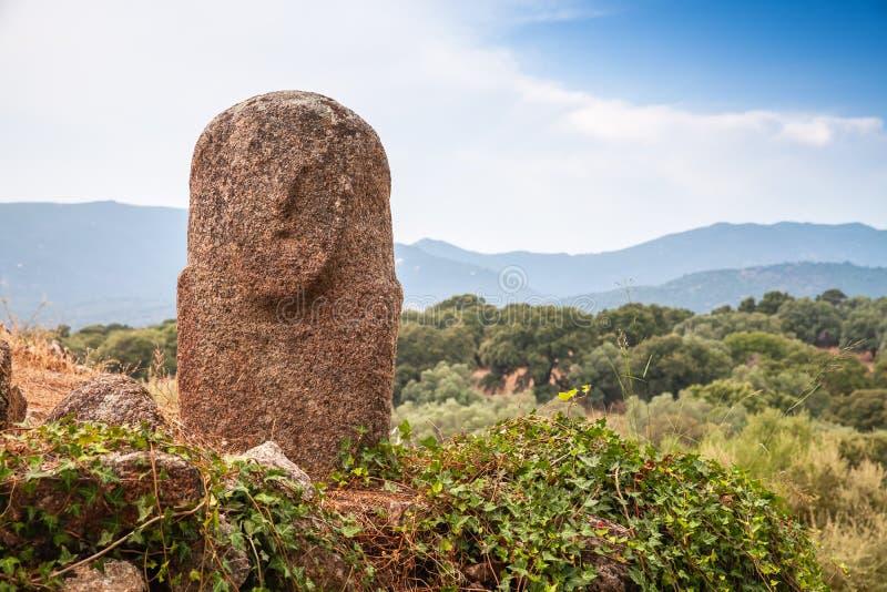 Filitosa,史前石雕象在可西嘉岛 免版税库存照片