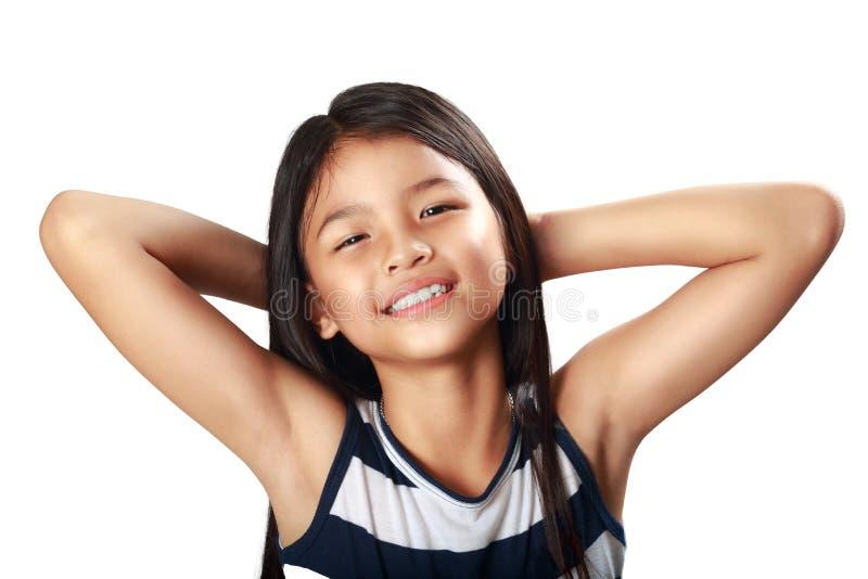 Fille asiatique heureuse et belle de plan rapproché petite photos stock