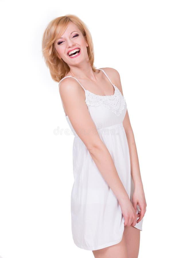Download Fille Assez Jeune Se Sentant Timide Femme Heureuse De Sourire Photo stock - Image du beau, fond: 56487830