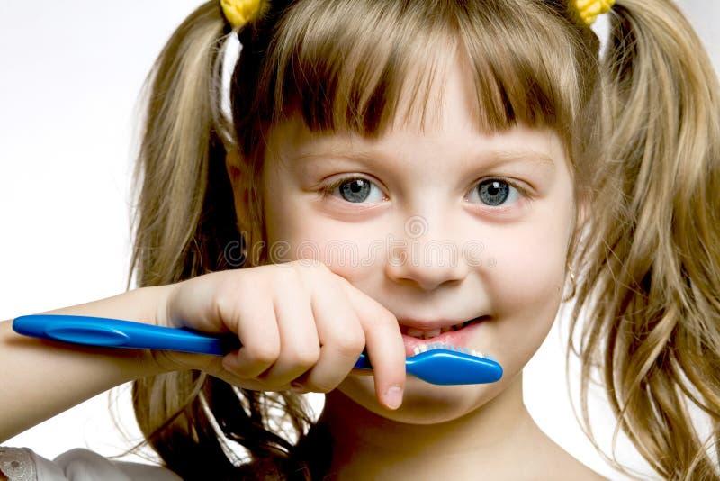 Download Fille Avec La Brosse à Dents Image stock - Image du expression, tête: 8663005