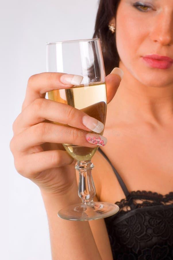 Fille avec la glace de vin photo libre de droits