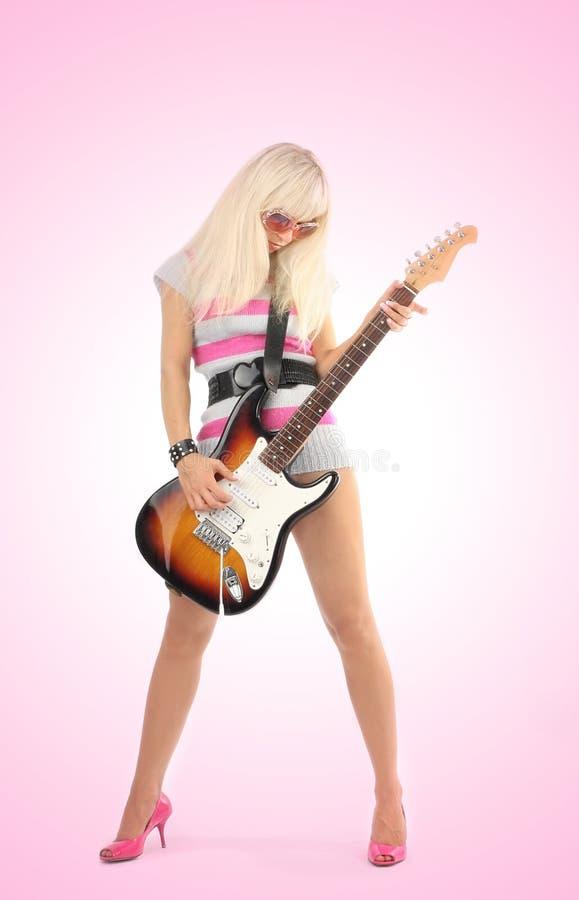 Fille avec la guitare photos stock