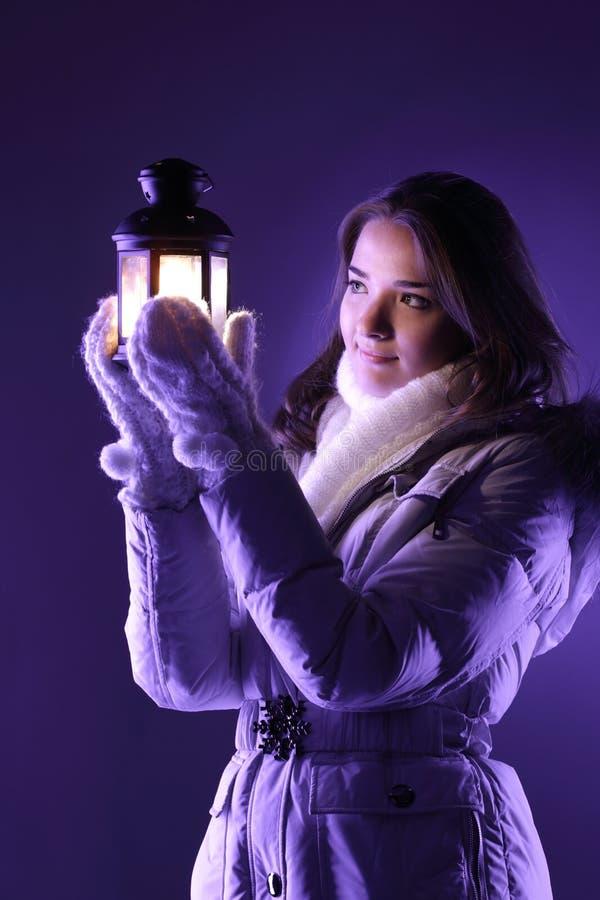 Fille avec la lanterne photo libre de droits