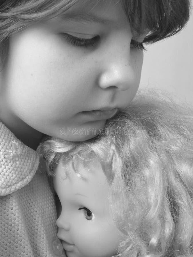 Fille avec la poupée 1 photos libres de droits
