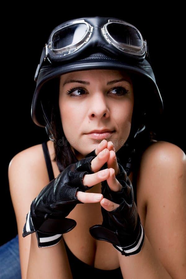 Fille avec le casque de moto d'Armée-type des USA images libres de droits