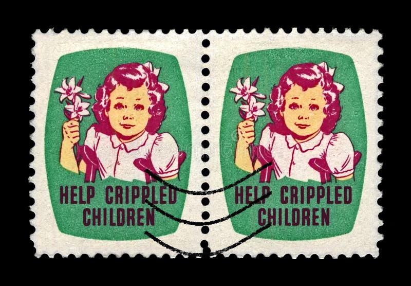 Fille avec le lis d'Easrer Enfants estropiés par aide Les joints de Pâques emboutissent aka des joints de Noël depuis 1919, les E photographie stock