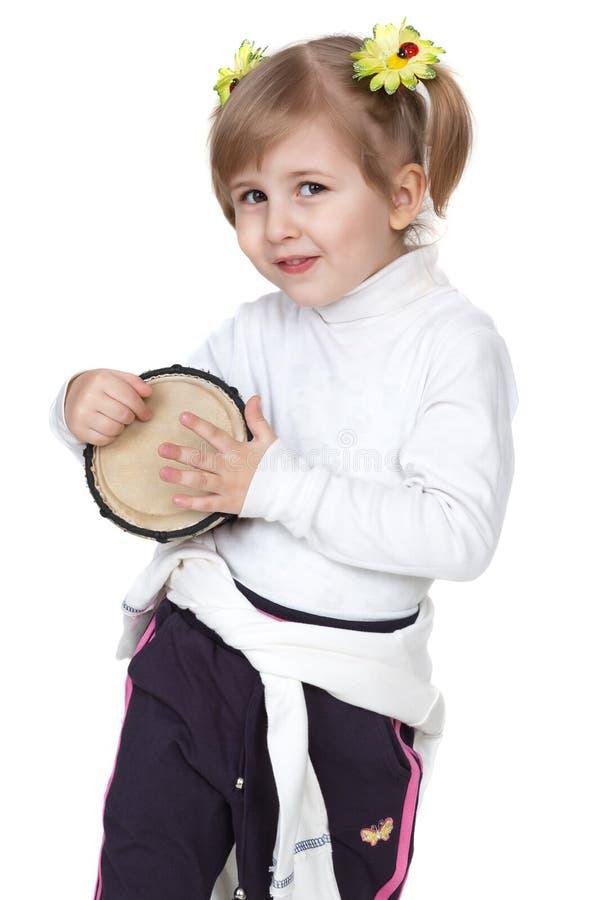 Fille avec le tambour images stock