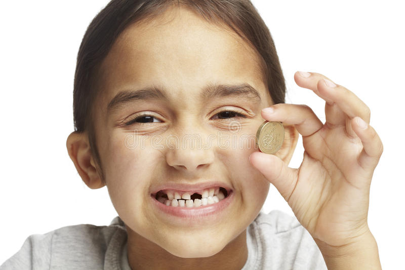 Fille avec manquer la dent avant photographie stock libre de droits