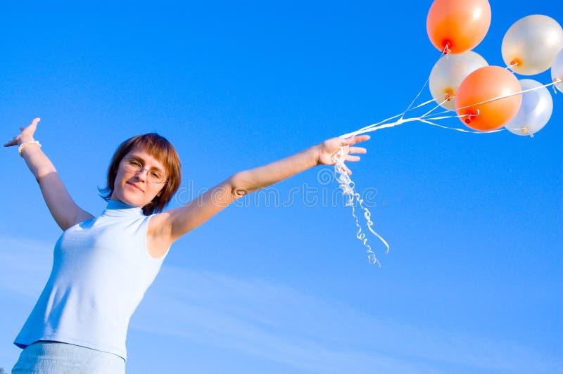 Fille Avec Un Ballon Photographie stock libre de droits