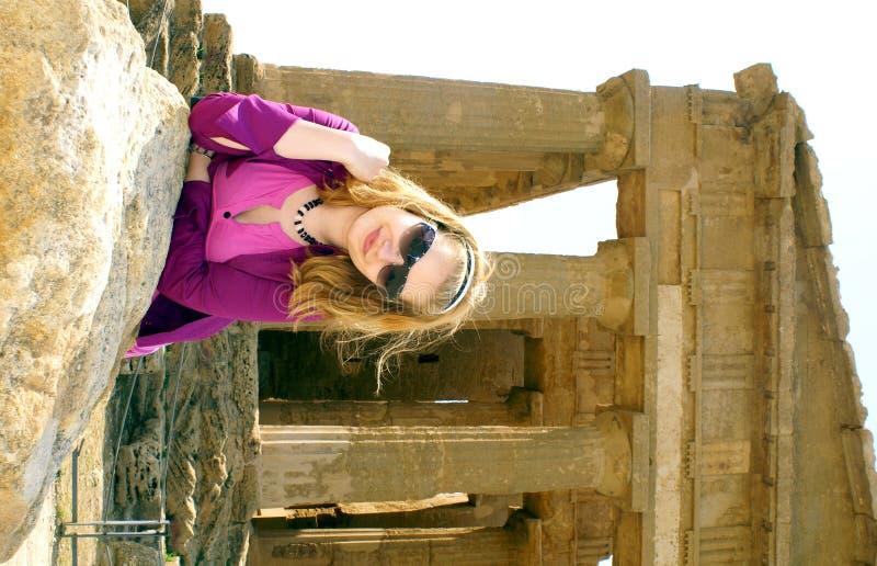 fille blonde d'Agrigente photo libre de droits
