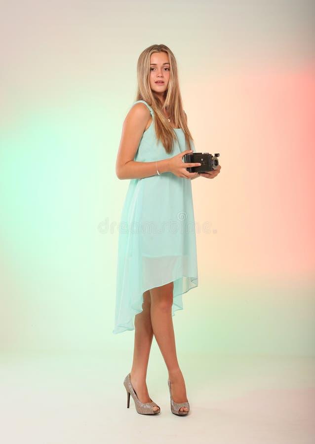 Ado Modelant La Mode Dans Le Studio Image stock - Image du