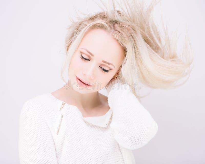 Fille blonde de Magnificient photographie stock libre de droits