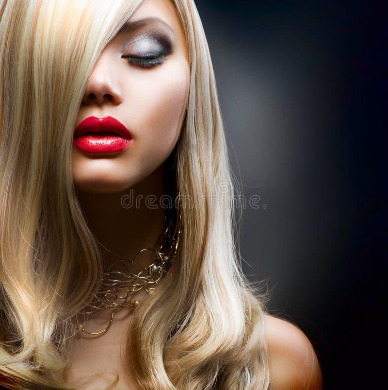 Fille blonde de mode photographie stock