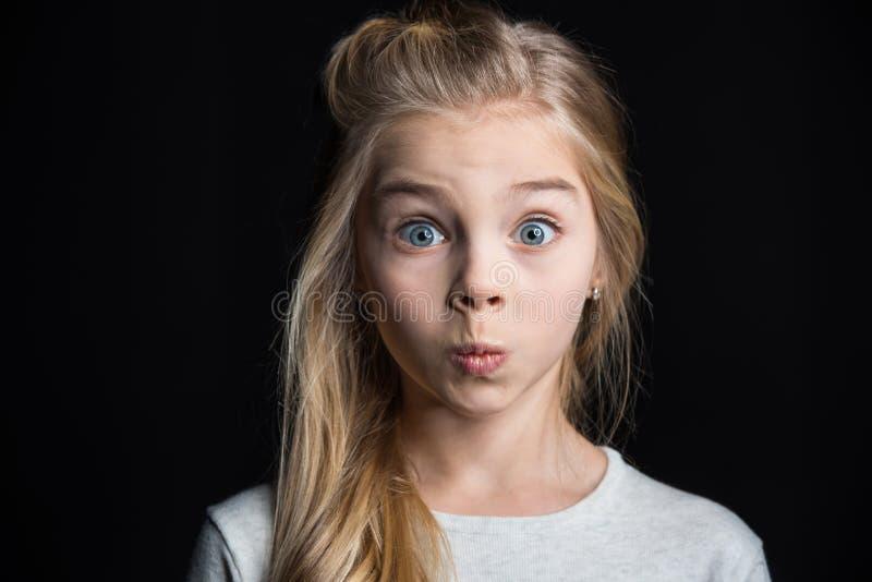 Fille blonde mignonne photographie stock