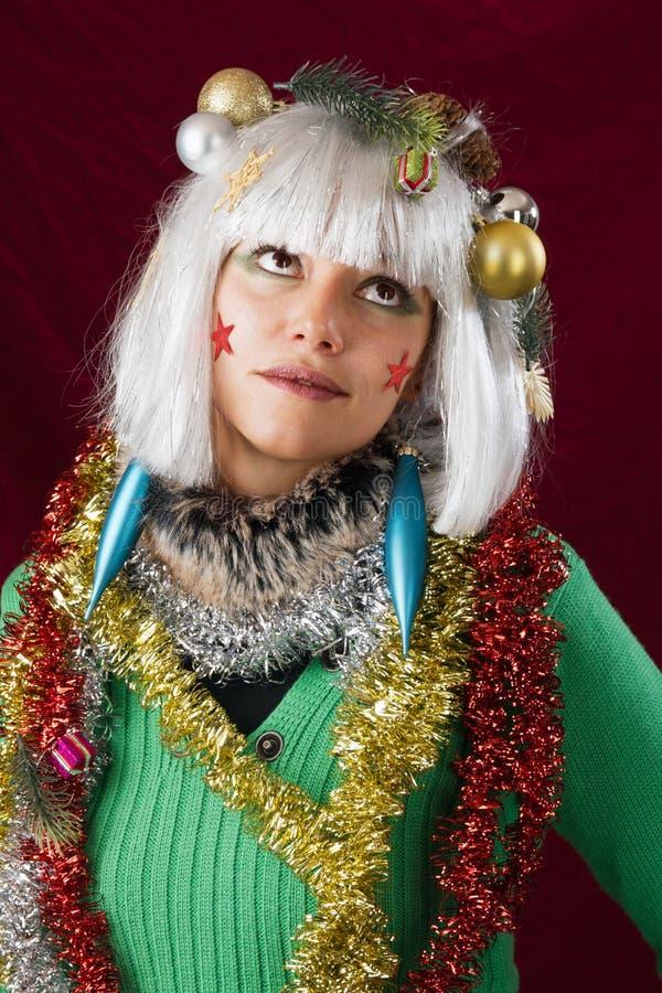 Fille contrariée dans l'équipement de Noël photo stock