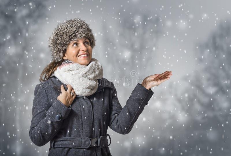 Fille d'hiver photo libre de droits