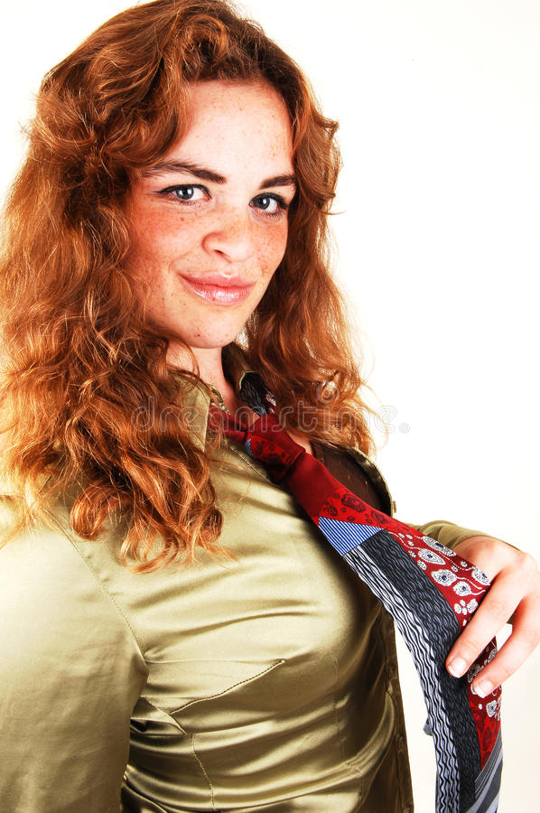 Fille d'une chevelure assez rouge. images libres de droits