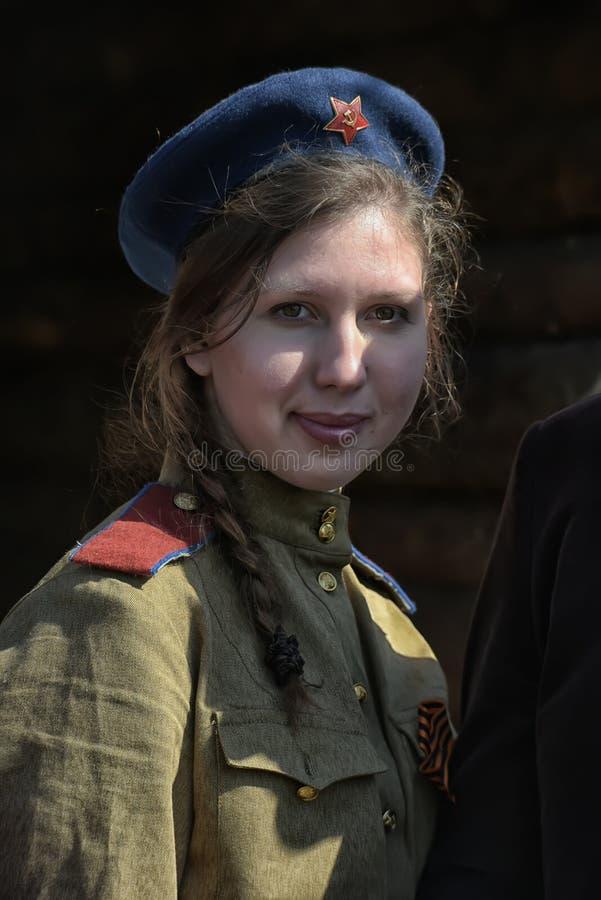 Fille dans l'uniforme de WWII photos stock